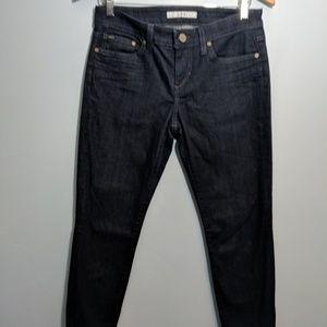 Joe's dark demin jean Chelsea fit size 28